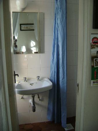 Kenya Comfort Hotel: bathroom
