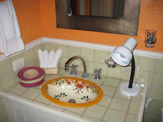 Casa Quetzal Hotel: bathroom