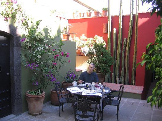 Casa Quetzal Hotel: Breakfast