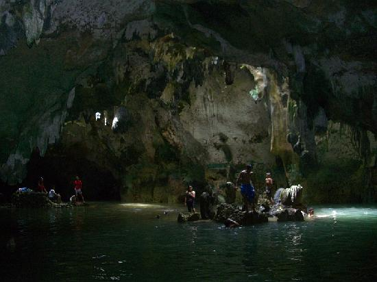 Poro Island, Filipina: Cave pool