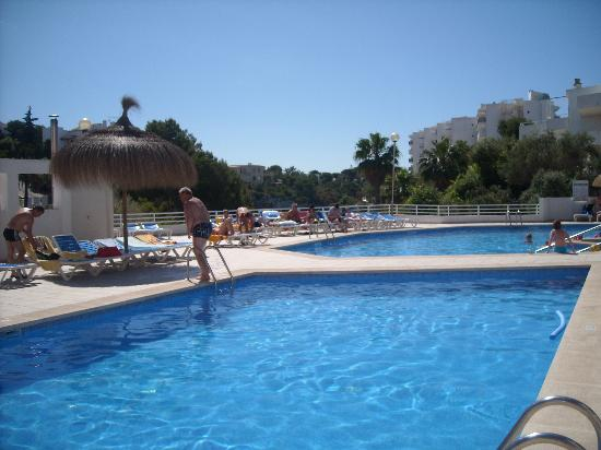 Mar Hotels Ferrera Blanca: Pool near restaurant
