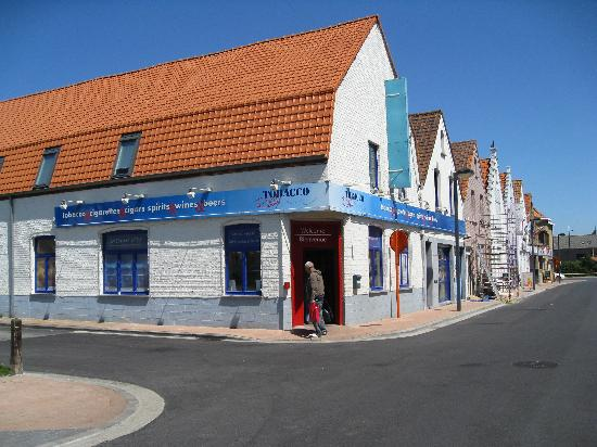 The 'Tobacco Real' shop in Adinkerke.