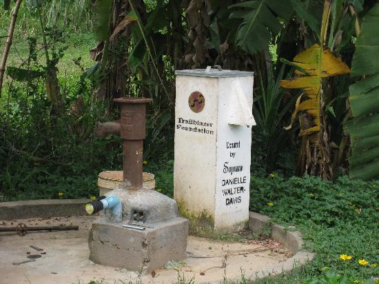 Sojourn Boutique Villas: water pump donated by sojourn