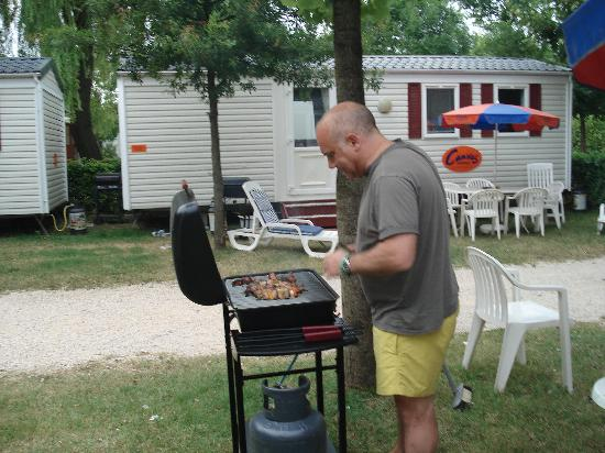 Camping Village Portofelice: BBQ included