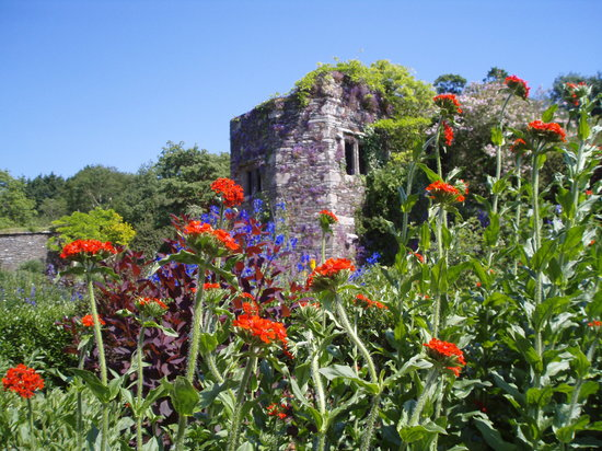 The Garden House: Tower in walled garden