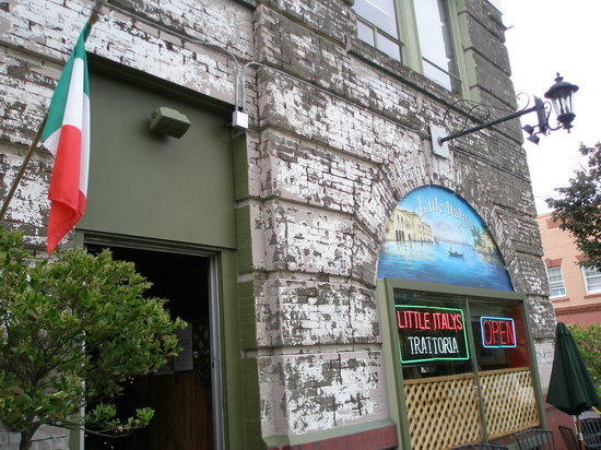 best italian food in vancouver review of little italy 39 s. Black Bedroom Furniture Sets. Home Design Ideas