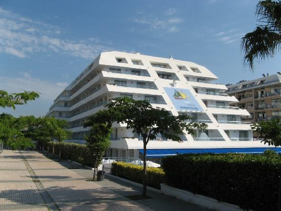 Montemar Maritim : Hotel from outside.