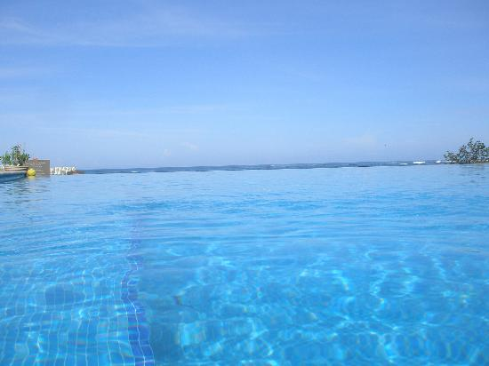JW Marriott Guanacaste Resort & Spa: View from in the pool