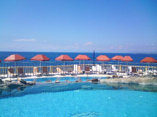 Gundogan Turkey  City pictures : ... slides near the waterfall pool Foto van Green Beach Resort, Gundogan