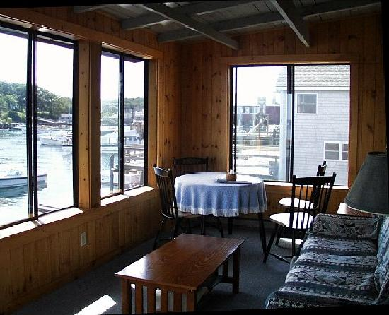Gosnold Arms Inn: Very Plain Wharf Room