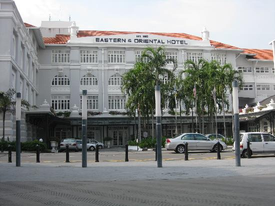 Eastern & Oriental Hotel: The exterior