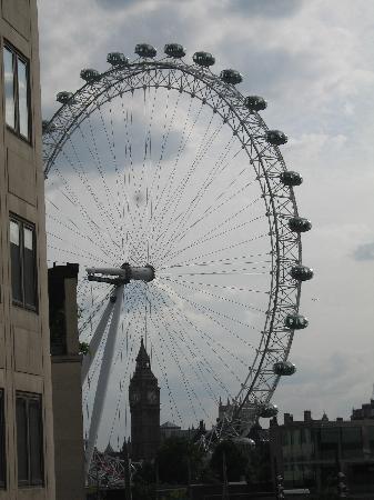 ไอบิส ลอนดอนซิตี้: london eye and big ben