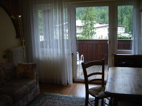 Croce Bianca Leisure & Spa Hotel: camera confort salottino