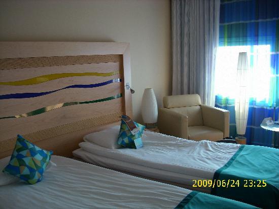 Radisson Blu SkyCity Hotel, Arlanda Airport: Small but stylish and comfortable room 531