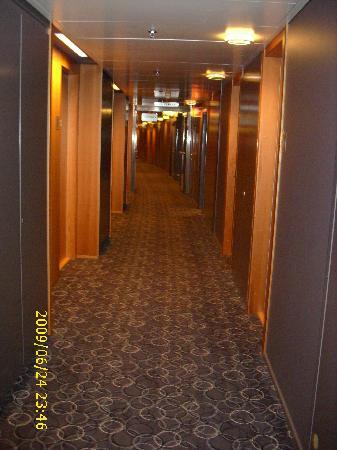Radisson Blu SkyCity Hotel, Arlanda Airport: Hallway on 5th floor, on way to room 531
