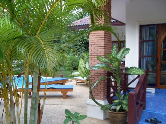 Alisea Pool Villas : Villa Side