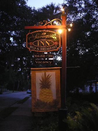 The Saragossa Inn B&B: Saragossa Inn sign