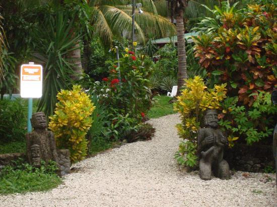Hotel Entre Dos Aguas: beautiful gardens
