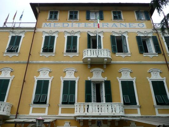 Hotel Mediterraneo: hotel facade
