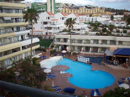 Hovima Santa Maria : View of the pool from balcony