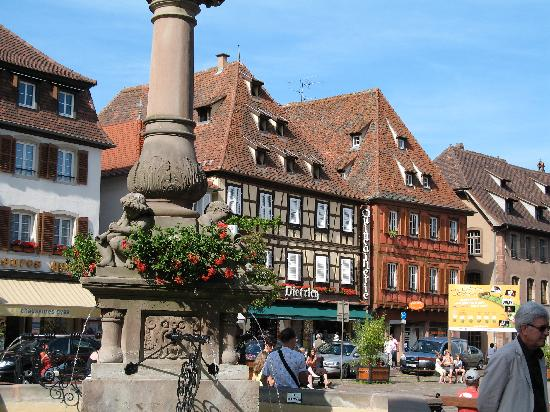 town square in obernai. Black Bedroom Furniture Sets. Home Design Ideas