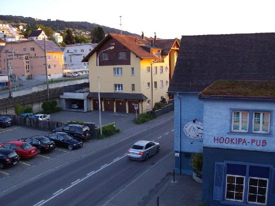 Staad, Schweiz: The bad side: view from our bathroom window, when turning our head to the left!