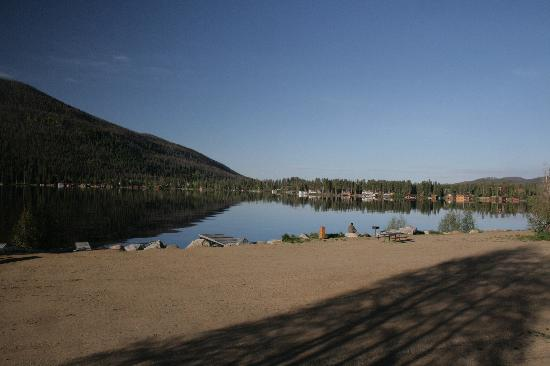 Western Riviera Lakeside Lodging & Events : View of Grand Lake