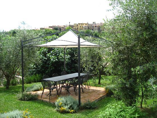 Suite d'Artista: Garden