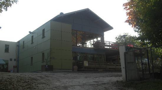 Le Chene Gris: Campsite main building