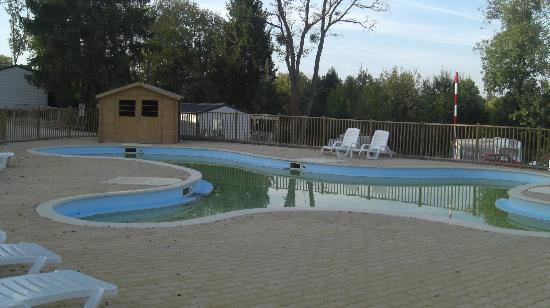 Le Chene Gris: Campsite pool 1