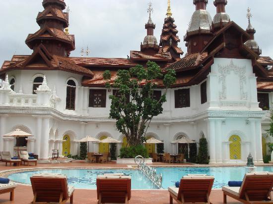The Dhara Dhevi Chiang Mai : Pool area