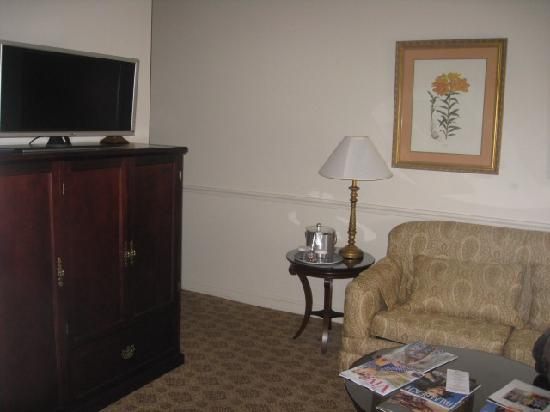 The Chesterfield Palm Beach : Sitting Area of King Executive Suite