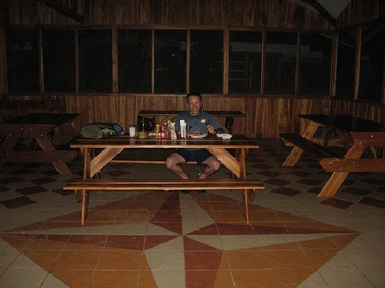 Nicoya, Costa Rica: The lonely comedor...food was good though