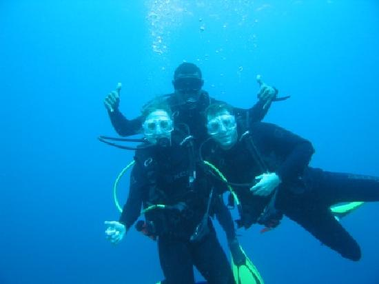 Nakia Resort & Dive: Brad and Sandi with divemaster