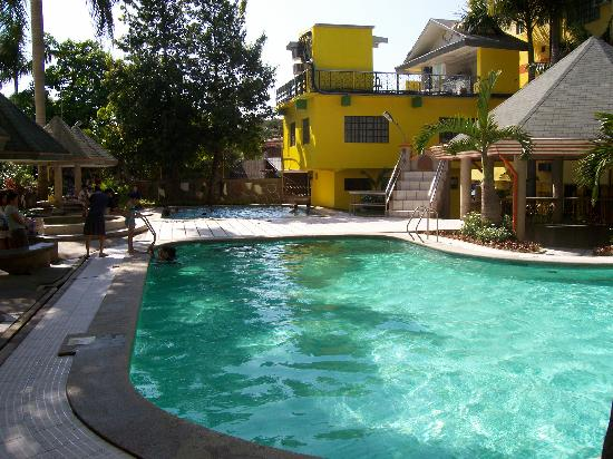 Lingayen, Filipinas: poolside