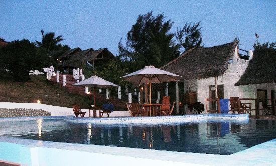The Manta Resort: pool at night