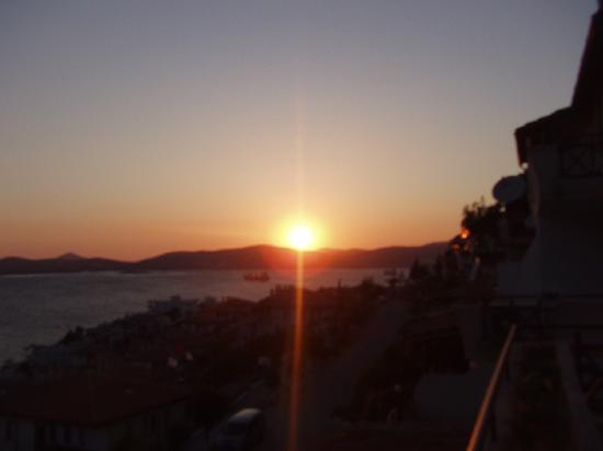 Gulluk, Turkey: sunset view park iasos flat terasse