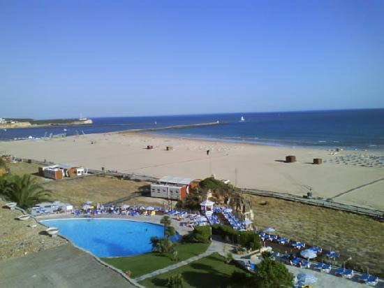 Hotel Algarve Casino: Why you want a seaview room...