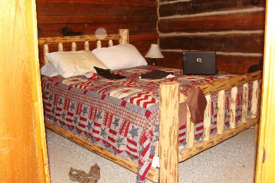 Schively Ranch: Rustic but very comfortable bunk house