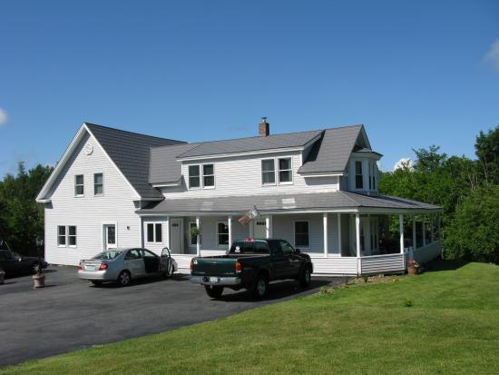 The renovated farm house of Springfield Tyme