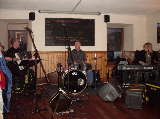 The Arch Inn: inside the arxh inn free entertainment