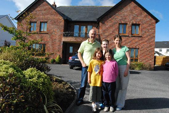 Oranhill Lodge: I Proprietari Ann e Michael e figlie