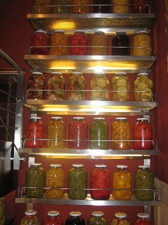 Istanbul, Tyrkia: Botes de verduras en el restaurante Haci Abdullha
