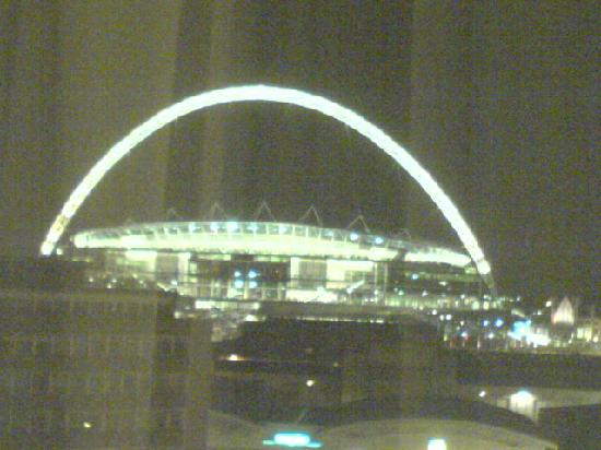 Premier Inn London Wembley Park Hotel: Wembley at night from the hotel