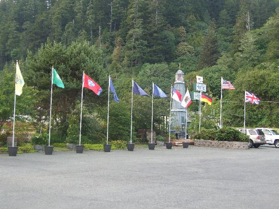 Ravenwood Motel: The flags outside the Ravenwood