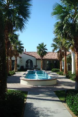 Legacy Villas at La Quinta: grounds