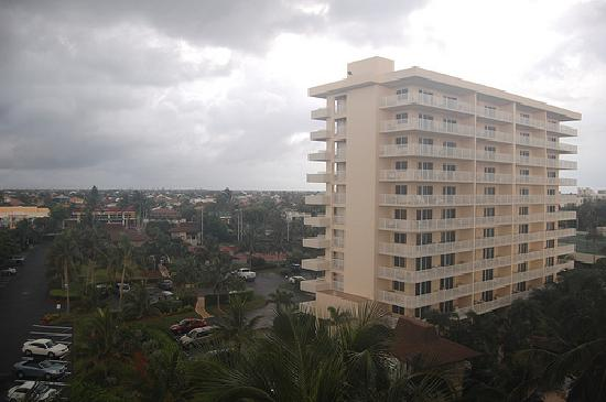 The Charter Club of Marco Beach: View of South tower.