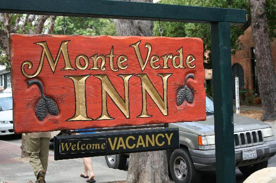 Monte Verde Inn: The inn's sign from the street