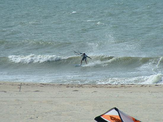 "Windtown Beach Hotel: Kiting in front of Windtown ""Nice waves"""