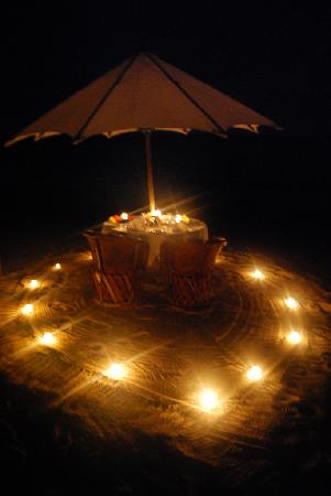 Majahuitas, Mexiko: Our romantic table for two on the beach